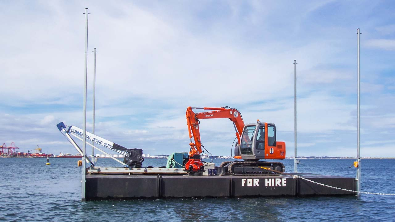 Barge Hire 12m Equipment