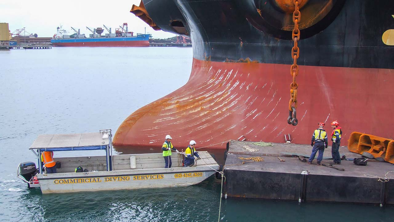 Barge Hire 12m Ship Anchor
