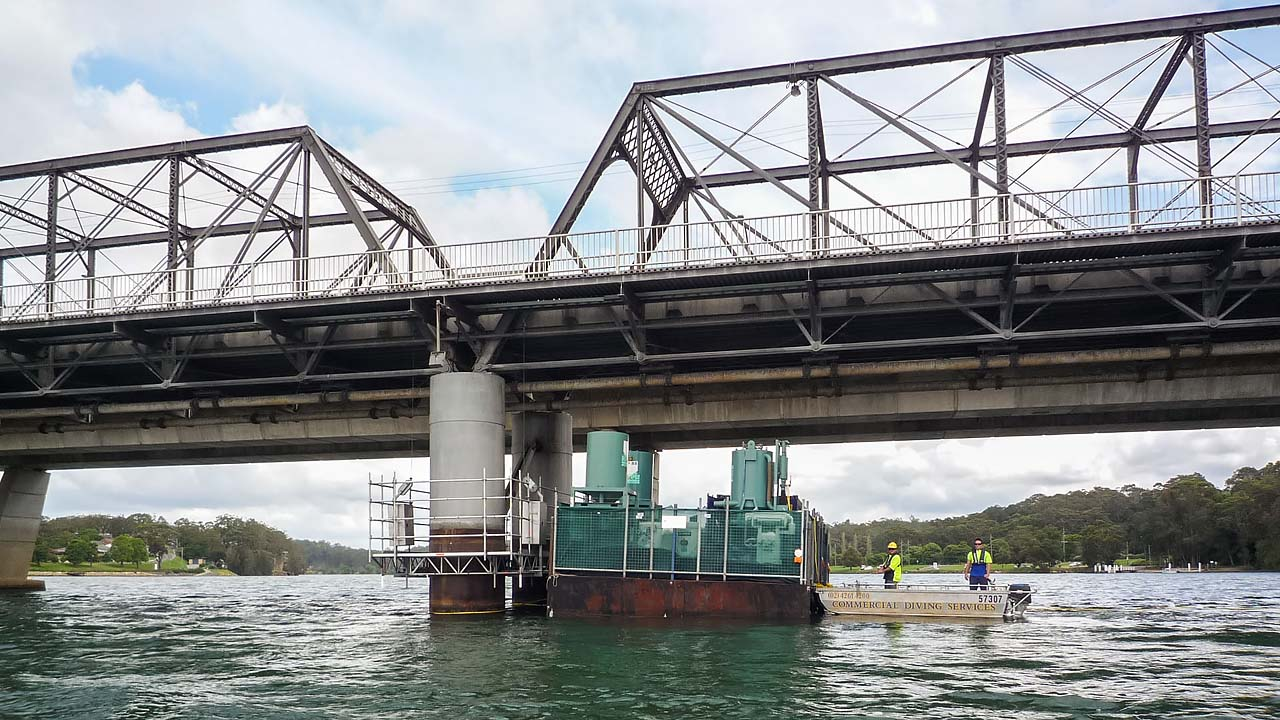 Barge Hire 6m Bridge Maintenance