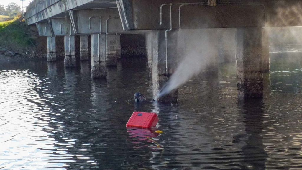 Bridge Pylon High Pressure Water Blasting