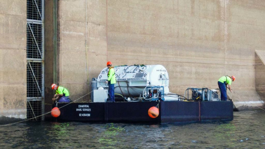 Dam Barge and Decompression Chamber