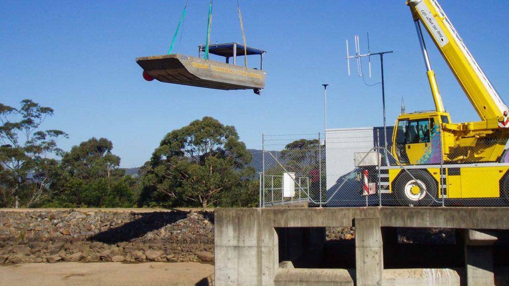 Dam Boat Crane Launch