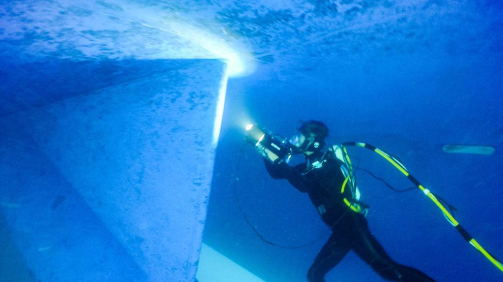 Ship In Water Class Survey Commercial Diver
