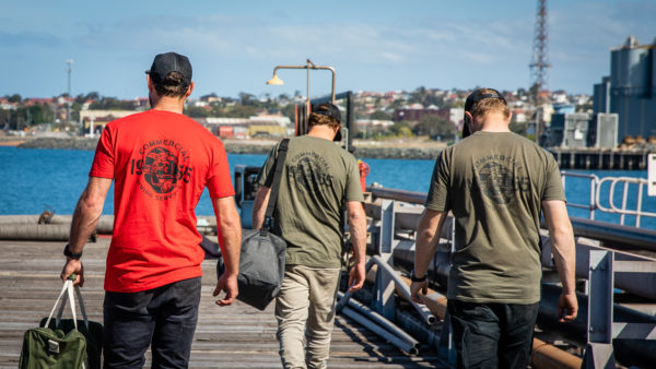 Tshirt Helmet Ss Mixed Back Group